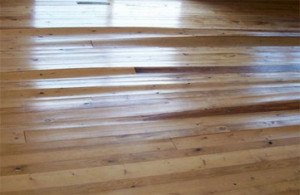 Water spills on hardwood floors easy solutions for Hardwood floors cupping